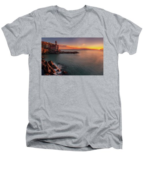 Tellaro Men's V-Neck T-Shirt