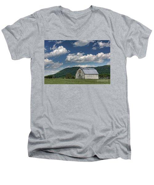 Tennessee Barn Quilt Men's V-Neck T-Shirt
