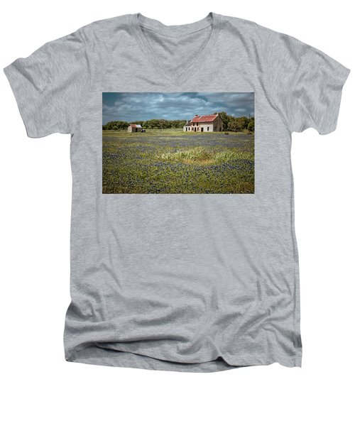 Men's V-Neck T-Shirt featuring the photograph Texas Stone House by Linda Unger