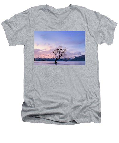 That Wanaka Tree Men's V-Neck T-Shirt