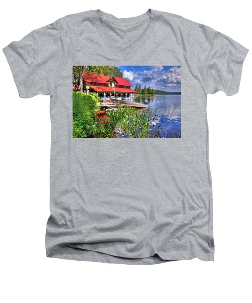 Men's V-Neck T-Shirt featuring the photograph The Boathouse At Covewood by David Patterson