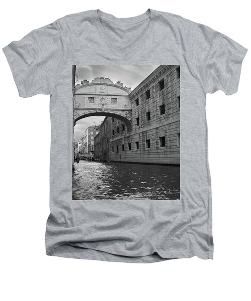 The Bridge Of Sighs, Venice, Italy Men's V-Neck T-Shirt