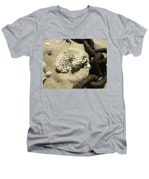 The Chain And The Fossil Men's V-Neck T-Shirt
