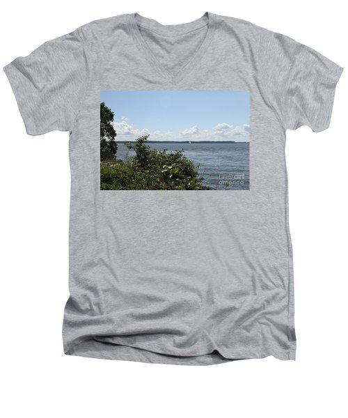 The Chesapeake From Turkey Point Men's V-Neck T-Shirt