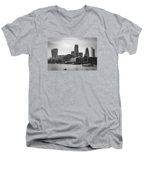 The City In Mono Men's V-Neck T-Shirt