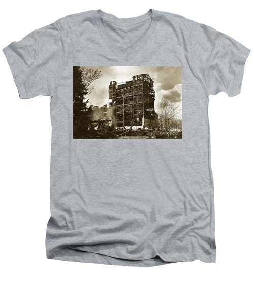 The Dorrance Breaker Wilkes Barre Pa 1983 Men's V-Neck T-Shirt