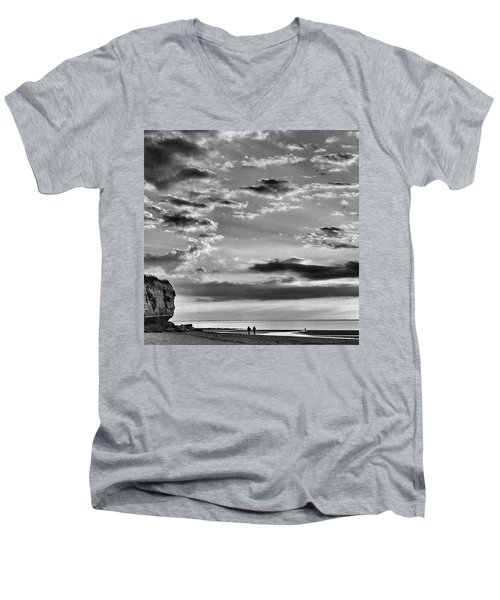 The End Of The Day, Old Hunstanton  Men's V-Neck T-Shirt by John Edwards