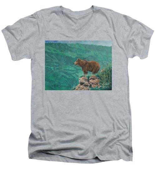 The Franklin Grizzly Bear Men's V-Neck T-Shirt
