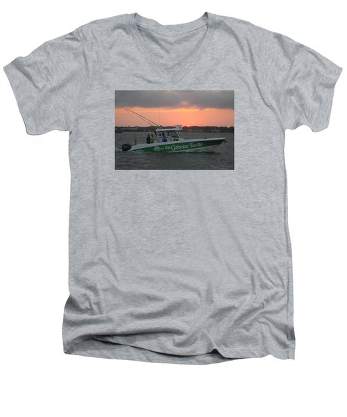 The Greene Turtle Power Boat Men's V-Neck T-Shirt