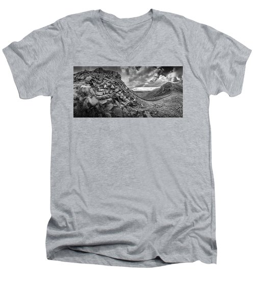 The Hare's Gap Men's V-Neck T-Shirt