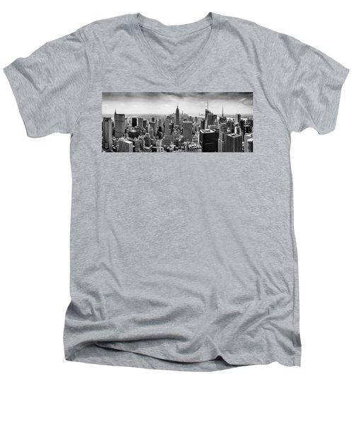 New York City Skyline Bw Men's V-Neck T-Shirt