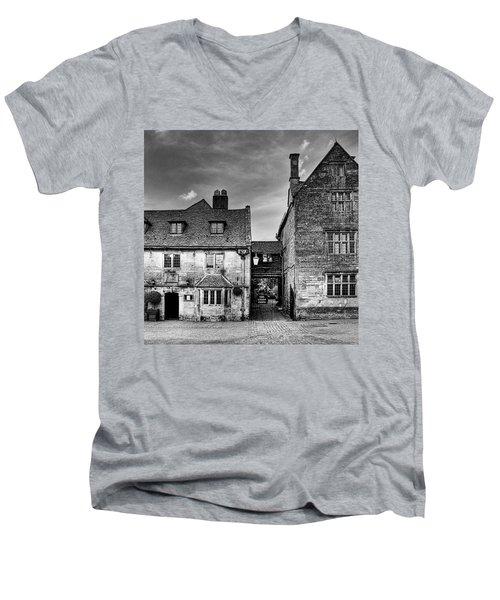 The Lygon Arms, Broadway Men's V-Neck T-Shirt