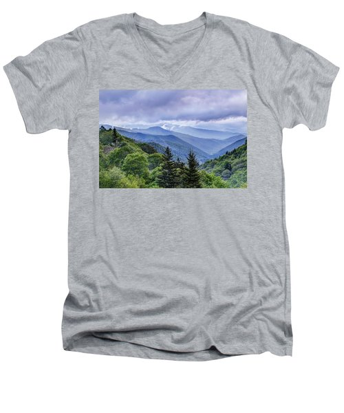 The Mountains Of Great Smoky Mountains National Park Men's V-Neck T-Shirt