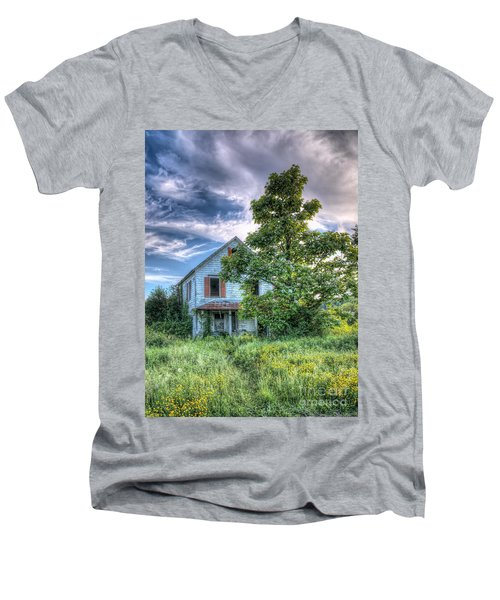 The Nathaniel White Farm House Men's V-Neck T-Shirt