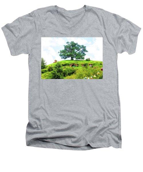 The Oak Tree At Bag End Men's V-Neck T-Shirt