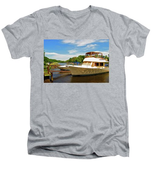 The Rondout At Eddyville Men's V-Neck T-Shirt