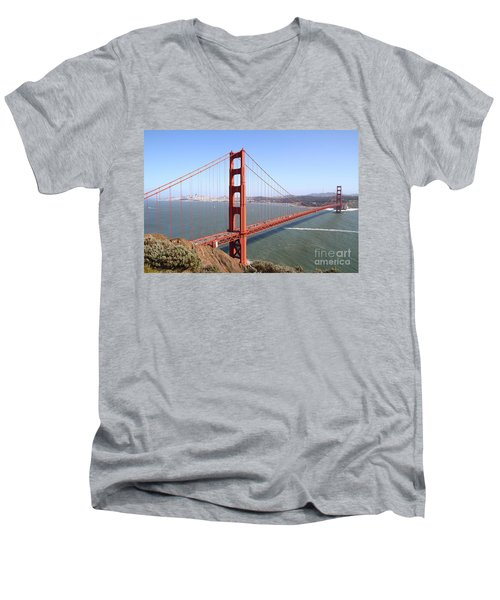 The San Francisco Golden Gate Bridge 7d14507 Men's V-Neck T-Shirt
