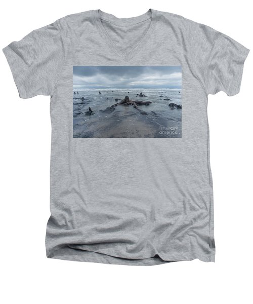 The Tide Comes In Over The Bronze Age Sunken Forest At Borth On The West Wales Coast Uk Men's V-Neck T-Shirt
