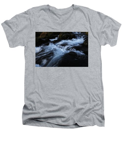 The Waters Of Kirkjufell Men's V-Neck T-Shirt