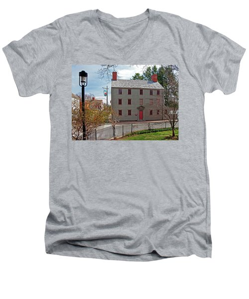 The William Pitt Tavern Men's V-Neck T-Shirt