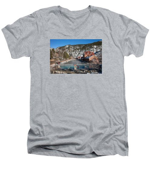 The World's Largest Hot-springs Pool At The Spa Of The Rockies In Glenwood Springs Men's V-Neck T-Shirt by Carol M Highsmith