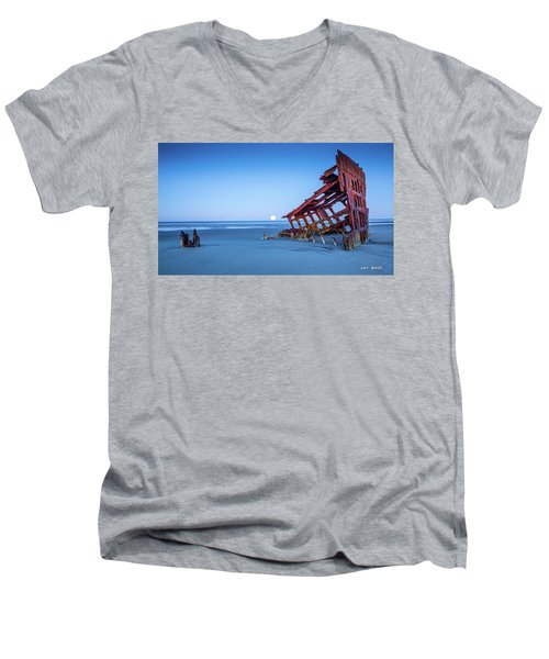 The Wreck Of The Peter Iredale Men's V-Neck T-Shirt