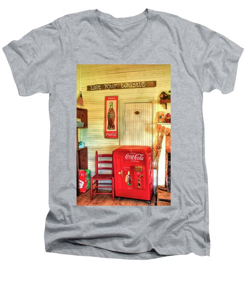 Thirst-quencher Old Coke Machine Men's V-Neck T-Shirt