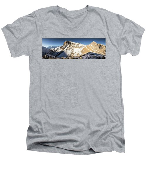 Thorung La Pass In The Annapurna Range In The Himalayas In Nepal Men's V-Neck T-Shirt