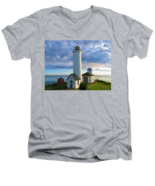 Tibbetts Point Lighthouse In June Men's V-Neck T-Shirt