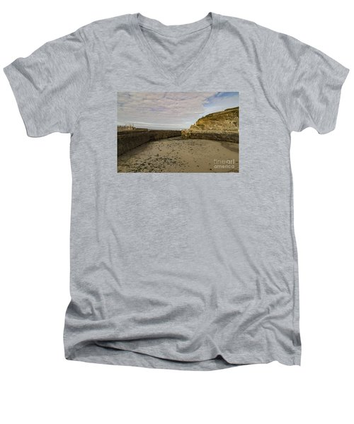 Men's V-Neck T-Shirt featuring the photograph Tide Out Portreath by Brian Roscorla