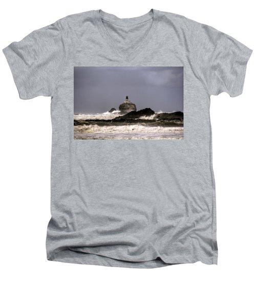 Tillamook Lighthouse Men's V-Neck T-Shirt