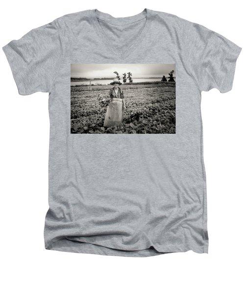 Tobacco Farm Men's V-Neck T-Shirt