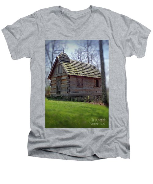 Tom's Country Church And School Men's V-Neck T-Shirt