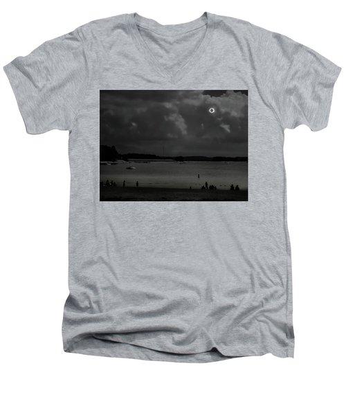 Total Solar Eclipse At Clemson Men's V-Neck T-Shirt