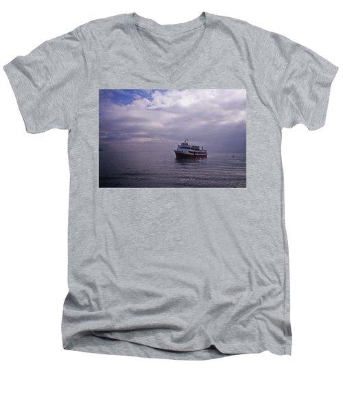 Tour Boat San Francisco Bay Men's V-Neck T-Shirt