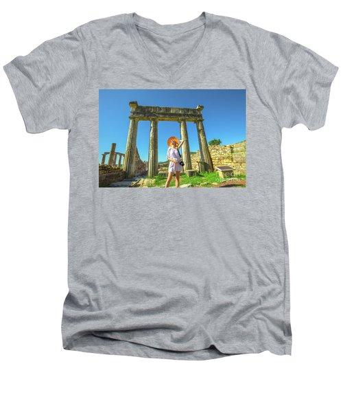 Tourist Traveler Photographer Men's V-Neck T-Shirt