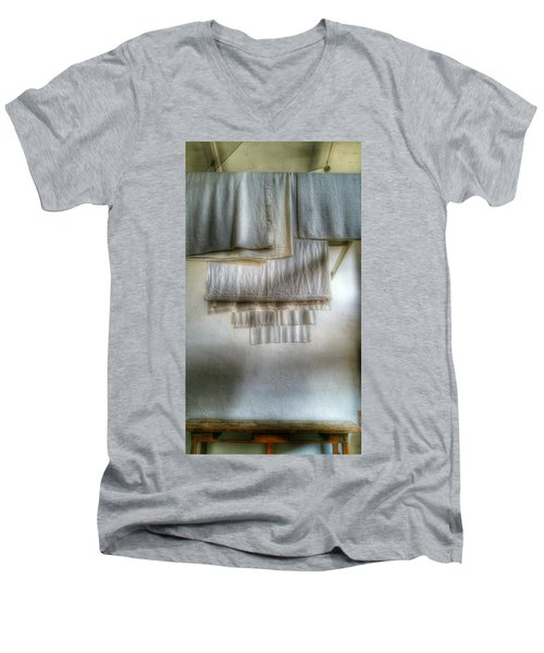 Towels And Sheets Men's V-Neck T-Shirt