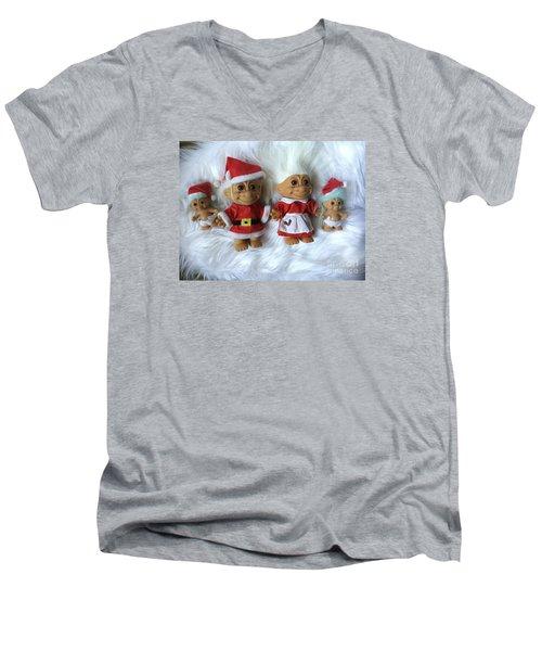 Troll Family Christmas 2015 Men's V-Neck T-Shirt
