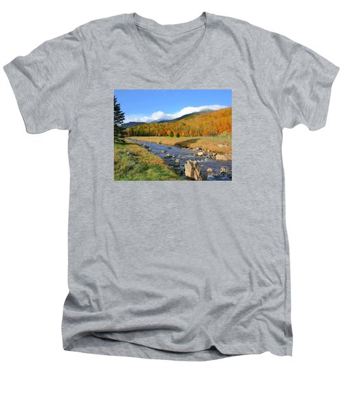 Men's V-Neck T-Shirt featuring the photograph Tuckerman's Ravine by Debbie Stahre