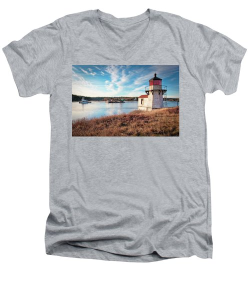 Tugboat, Squirrel Point Lighthouse Men's V-Neck T-Shirt