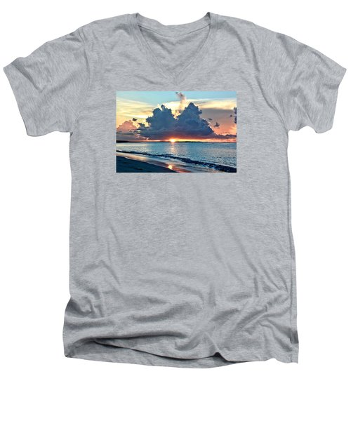 Turks And Caicos Grace Bay Beach Sunset Men's V-Neck T-Shirt