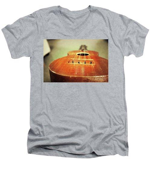 Uke Men's V-Neck T-Shirt