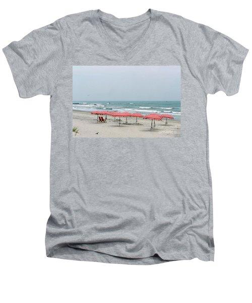Umbrellas Waiting Men's V-Neck T-Shirt