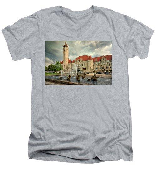 Union Station St Louis Color Dsc00422 Men's V-Neck T-Shirt by Greg Kluempers