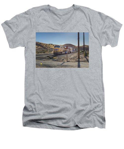Up7472 Men's V-Neck T-Shirt