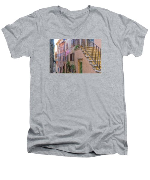 Urban View With Laundary Men's V-Neck T-Shirt