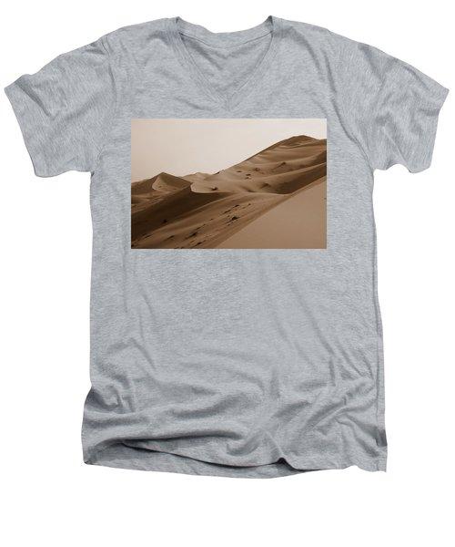 Uruq Bani Ma'arid 2 Men's V-Neck T-Shirt