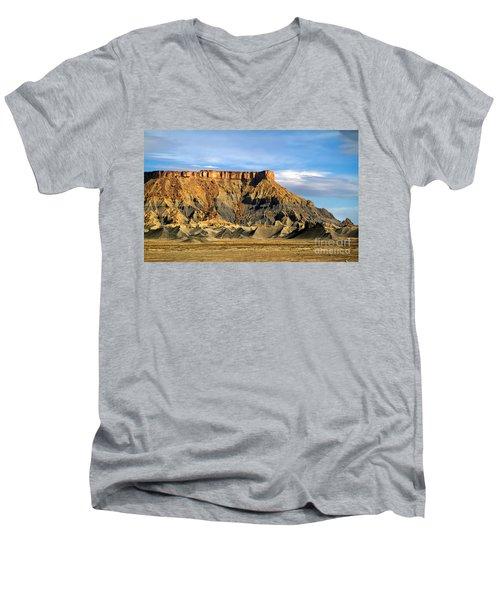 Utah Butte Men's V-Neck T-Shirt