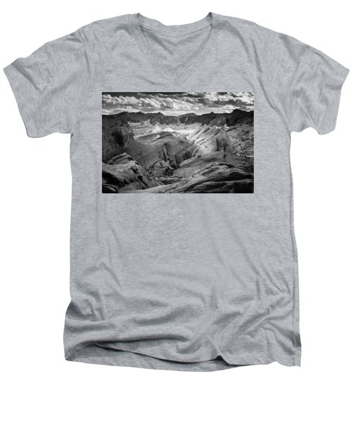 Valley Of Fire Expanse Men's V-Neck T-Shirt