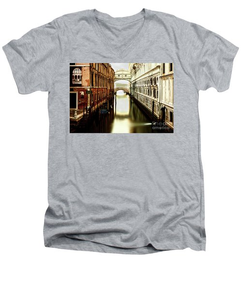 Venice Bridge Of Sighs Men's V-Neck T-Shirt